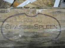12 bouteilles CHÂTEAU CHASSE SPLEEN 2008 Moulis (étiquettes très abimées par l''humidité) Caisse bois d''origine très abimée (Cave 19)