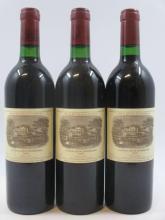 3 bouteilles CHÂTEAU LAFITE ROTHSCHILD 1983 1er GC Pauillac (étiquettes fanées) (Cave 11)
