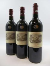 11 bouteilles CHÂTEAU LAFITE ROTHSCHILD 1999 1er GC Pauillac (étiquettes fanées) (Cave 11)