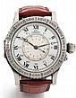 LONGINES LINDBERGH HOUR ANGLE vers 2000 Rare et grande montre bracelet en acier. Boîtier rond à charnières. Lunette tournante gr...