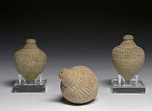 TROIS FLACONS DITS ÉOLIPILES, IRAN, ÉGYPTE OU SAMARCANDE, 10e-12E SIÈCLE