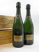 2 bouteilles CHAMPAGNE BOLLINGER RD 1982 Extra Brut Caisse bois d''origine individuelle