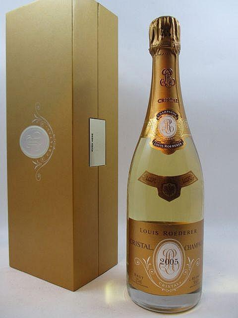 1 bouteille CHAMPAGNE CRISTAL ROEDERER 2005 Coffret d''origine