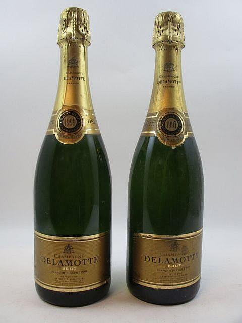 2 bouteilles CHAMPAGNE DELAMOTTE 1997 Blanc de Blancs (étiquettes abimées) (Cave 1)