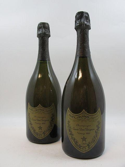 2 bouteilles CHAMPAGNE DOM PERIGNON 1992