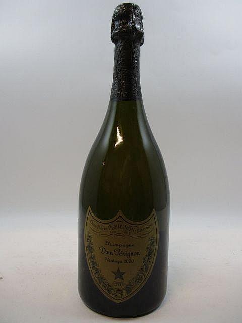 1 bouteilles CHAMPAGNE DOM PERIGNON 2000 (capsule léger abimée)