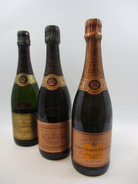 3 bouteilles 1 bt : CHAMPAGNE VEUVE CLICQUOT 1985 Rosé