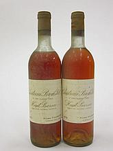 2 bouteilles CHÂTEAU BROUSTET 1972 2è Cru Barsac (1 légèrement bas, 1 haute épaule, étiquettes fanées, 1 légèreemnt couleuse)