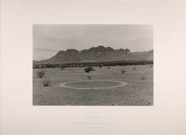 Richard LONG (Né en 1945) CHISOS CIRCLE - 1990 Tirage argentique