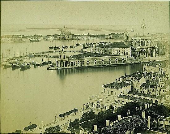 PONTI CARLO () Pointe de la douane et Eglise de la Salute, circa 1870 Tirage Albuminé