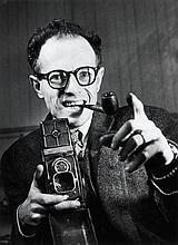 Willy RONIS (1910 - 2009) Autoportrait - 1947 Epreuve argentique (c. 1990)