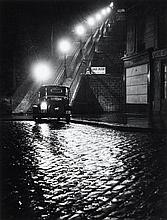 Willy RONIS (1910 - 2009) Rue Muller - Paris, 1934 Epreuve argentique (c. 1990)