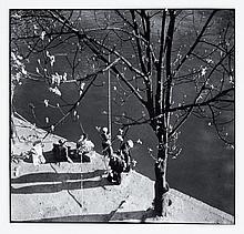 Willy RONIS (1910 - 2009) Printemps - Paris, 1938 Epreuve argentique (c. 1990)