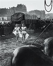 Willy RONIS (1910 - 2009) Le Zoo Circus d''Achille Zavatta - 1949 Epreuve argentique (c. 1990)