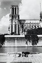 Willy RONIS (1910 - 2009) Amoureux sur les quais de Seine Quatre (4) épreuves argentiques (c. 1990)