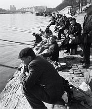 Willy RONIS (1910 - 2009) Quai de la Rapée - Paris, 1946 Epreuve argentique (c. 1990)