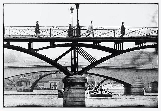 Willy RONIS (1910 - 2009) La passerelle du pont des Arts - Paris, 1964 Epreuve argentique (c. 1990)