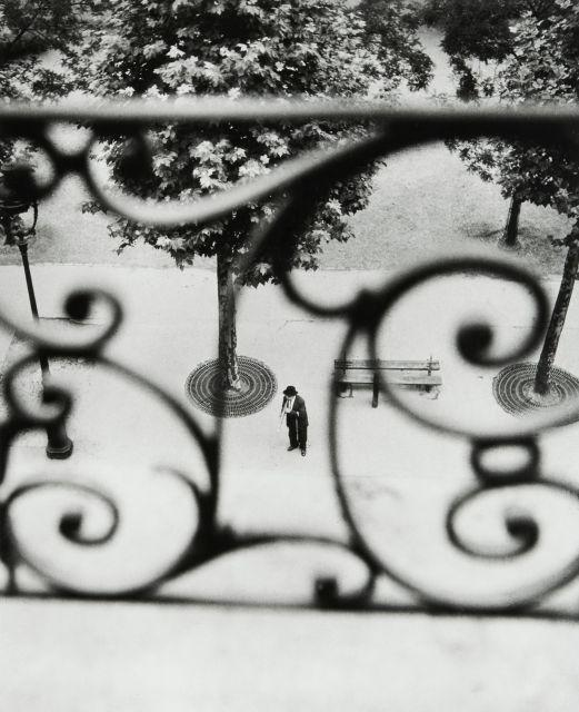 Willy RONIS (1910 - 2009) Boulevard Richard Lenoir - Paris, 1946 Epreuve argentique (c. 1990)