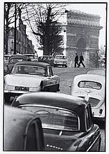 Willy RONIS (1910 - 2009) Paris en automobile Deux (2) épreuves argentiques (c. 1990)