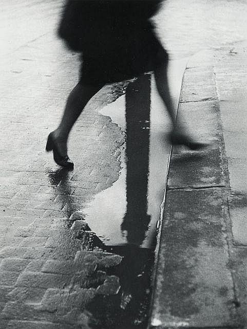 Willy RONIS (1910 - 2009) Place Vendôme - Paris, 1947 Epreuve argentique (1976), signée dans la marge inférieure à droite (effacée)