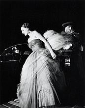Willy RONIS (1910 - 2009) Gala de l''Automobile Club - place Vendôme, Paris, 1950 Epreuve argentique (c. 1990)