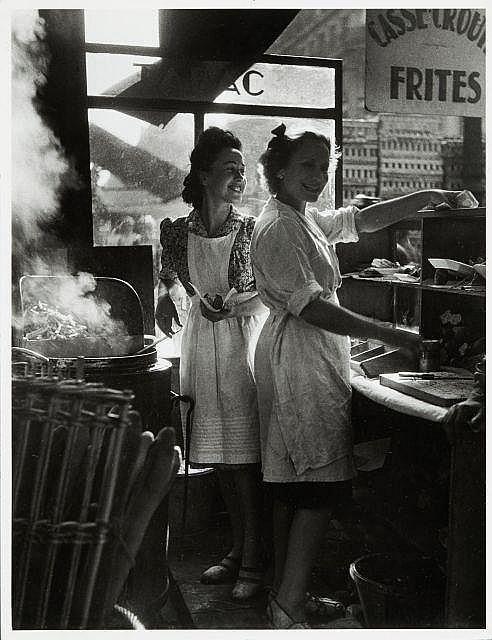 Willy RONIS (1910 - 2009) Rue Rambuteau - Paris, 1946 Epreuve argentique (c. 1970)