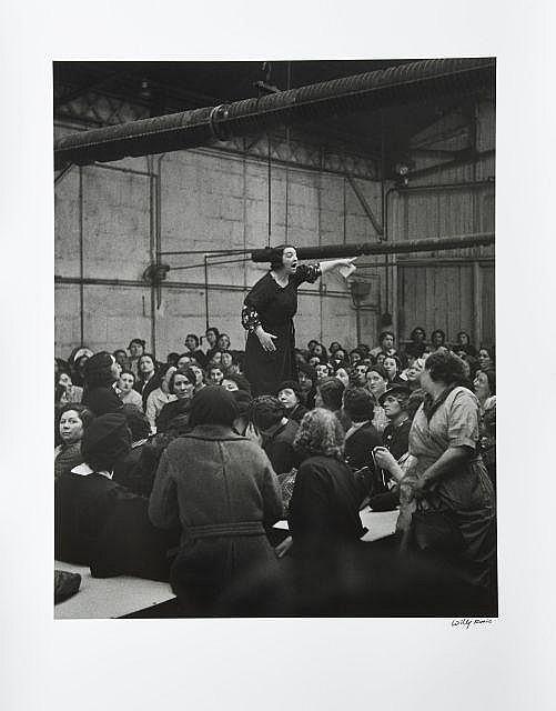 Willy RONIS (1910 - 2009) La syndicaliste Rose Zehner pendant les grèves chez Citroën - Paris, 1938Paris, 1938 Épreuve argentique si...