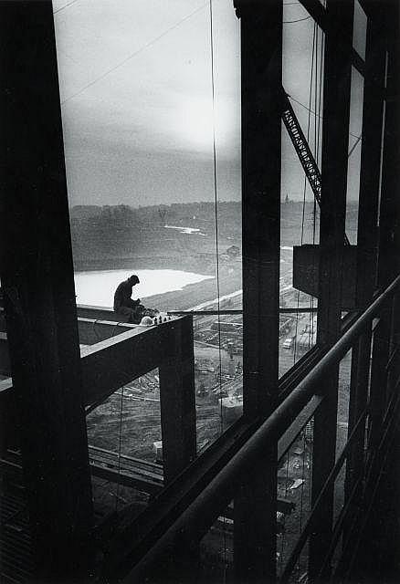 Willy RONIS (1910 - 2009) Centrale sidérurgique de Richemont (Moselle) - 1959 Epreuve argentique sur papier Agfa, tirée par Willy Ro...
