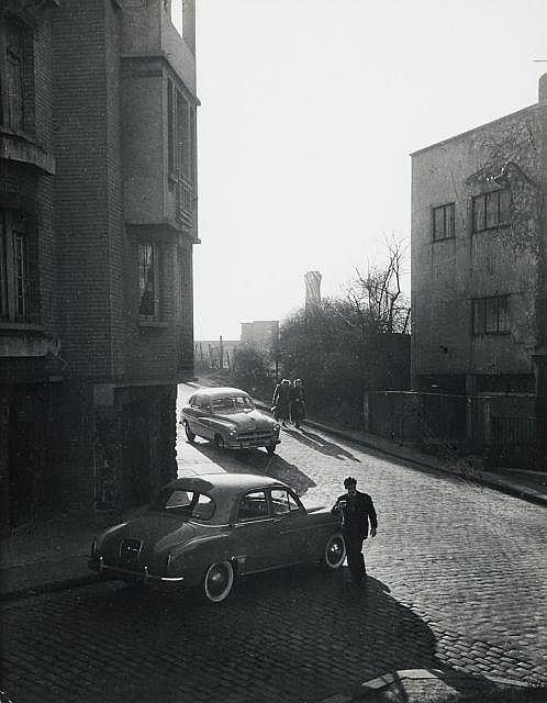 Willy RONIS (1910 - 2009) Rue Philippe Hecht - Paris, 1947 Epreuve argentique sur papier Agfa (c. 1970)