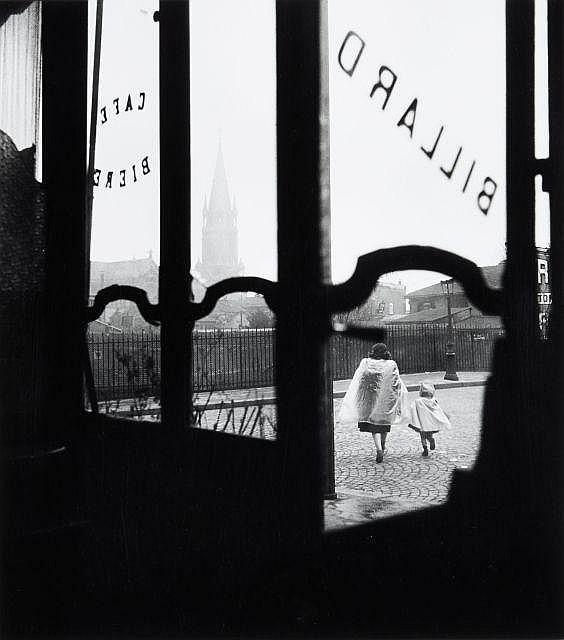 Willy RONIS (1910 - 2009) Rue Henri Chevreau, Paris - 1948 Epreuve argentique (c. 1990)