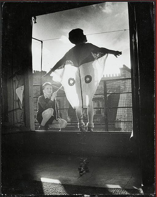 Willy RONIS (1910 - 2009) Mi-carème - 1952 Epreuve argentique d''époque