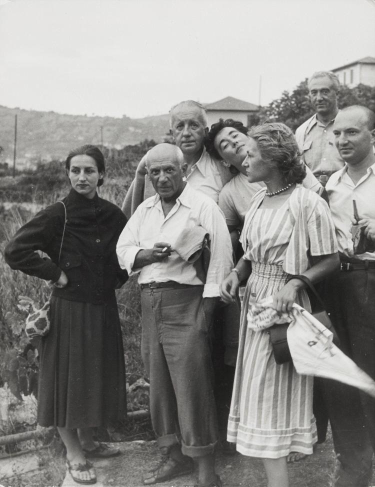 Willy RONIS (1910 - 2009) Pablo Picasso, Françoise Gilot, Paul et Dominique Eluard, Dominique et Jean Desaut - Vallauris, 1950 Epreu...
