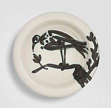 Pablo PICASSO 1881 - 1973 Oiseau sur la branche - 1952 (A.R.#175) Cendrier rond tourné