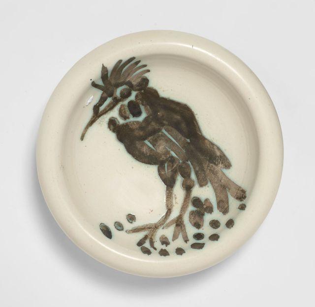 Pablo PICASSO 1881 - 1973 Oiseau à la huppe - 1952 (A.R.#173) Cendrier rond tourné