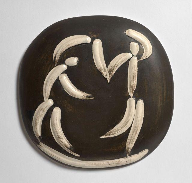 Pablo PICASSO 1881 - 1973 Danseurs - 1956 (A.R # 388 - G.R # 79) Petite plaque murale convexe