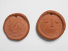 Pablo PICASSO 1881 - 1973  Paire de médaillons rond creusé