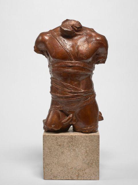 Igor MITORAJ 1944 - 2014 Grepol- Circa 1978 Bronze à patine brune et marbre