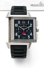 JAEGER LECOULTRE REVERSO SQUADRA CHRONOGRAPHE WORLD TIME, vers 2011 Beau chronographe bracelet réversible en titane. Boîtier car...