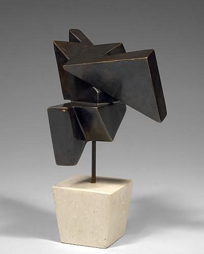 Marta COLVIN (né en 1917) SANS TITRE Sculpture en bronze à patine brune reposant sur un socle en marbre