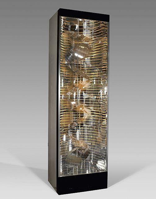 Martha BOTO (1925 - 2004) DEPLACEMENT HELICOIDAL LUMINEUX, 1967 Système lumineux électrique, plexiglas, métal dans un emboîtage en b...