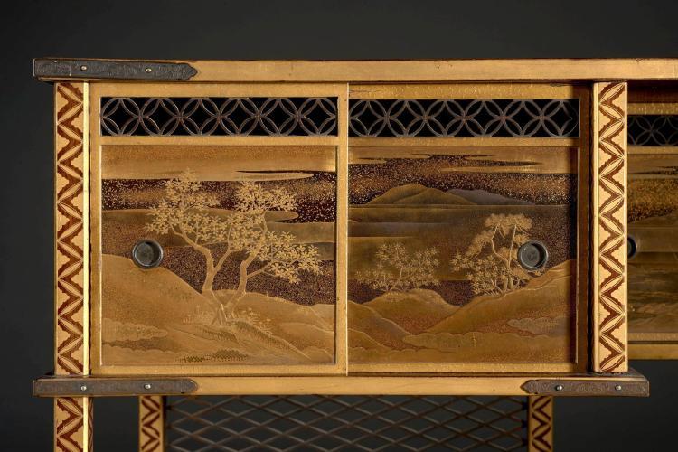 Petit meuble shodana en bois laqu japon poque edo xixe for Petit meuble bois brut