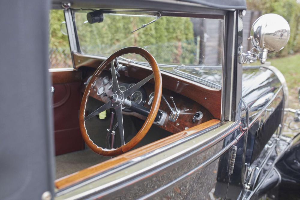 1929 Bugatti Type 44 Roadster par Frugier