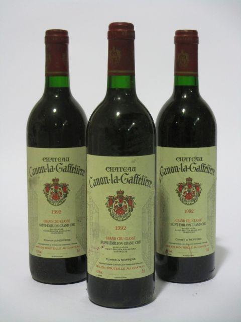 11 bouteilles CHÂTEAU CANON LA GAFFELIERE 1992 1er GCC (B) Saint Emilion (étiquettes fanées) (cave 6)
