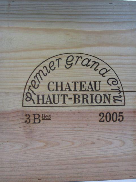 3 bouteilles CHÂTEAU HAUT BRION 2005 1er GC Pessac Léognan Caisse bois d'origine (cave 9)