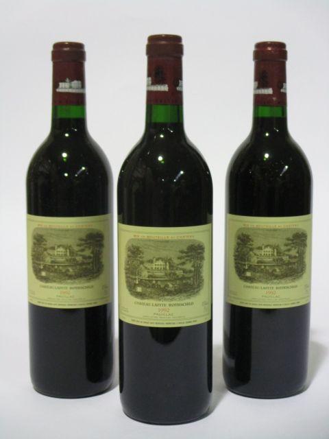 3 bouteilles CHÂTEAU LAFITE ROTHSCHILD 1992 1er GC Pauillac  (cave 6)