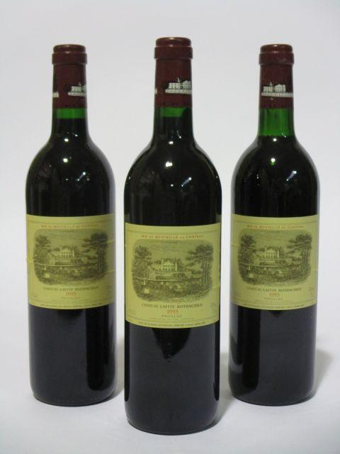 3 bouteilles CHÂTEAU LAFITE ROTHSCHILD 1993 1er GC Pauillac (dont une base goulot