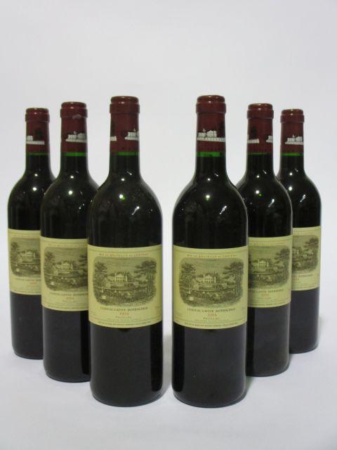 6 bouteilles CHÂTEAU LAFITE ROTHSCHILD 1994 1er GC Pauillac (capsules léger corrodées) (cave 6)