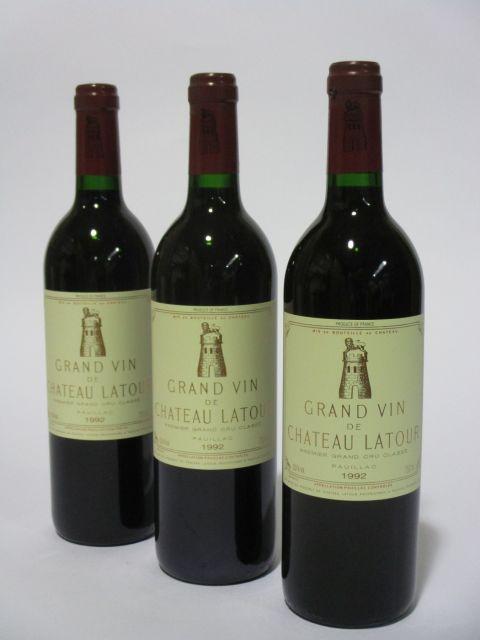 3 bouteilles CHÂTEAU LATOUR 1992 1er GC Pauillac (cave 6)