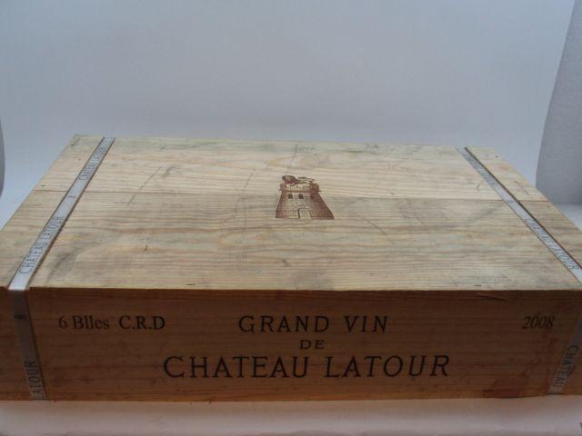 6 bouteilles CHÂTEAU LATOUR 2008 1er GC Pauillac Caisse bois d'origine cerclée (cave 9)