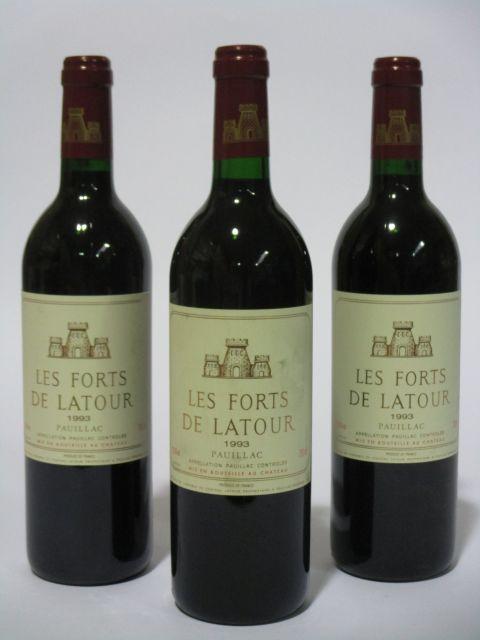 6 bouteilles LES FORTS DE LATOUR 1993 Pauillac (dont une étiquette léger fanée) (cave 6)